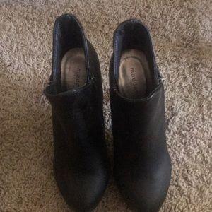 Madden girl- black boots/heels